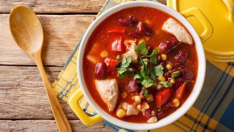 Meksika usulü tavuk çorbası tarifi