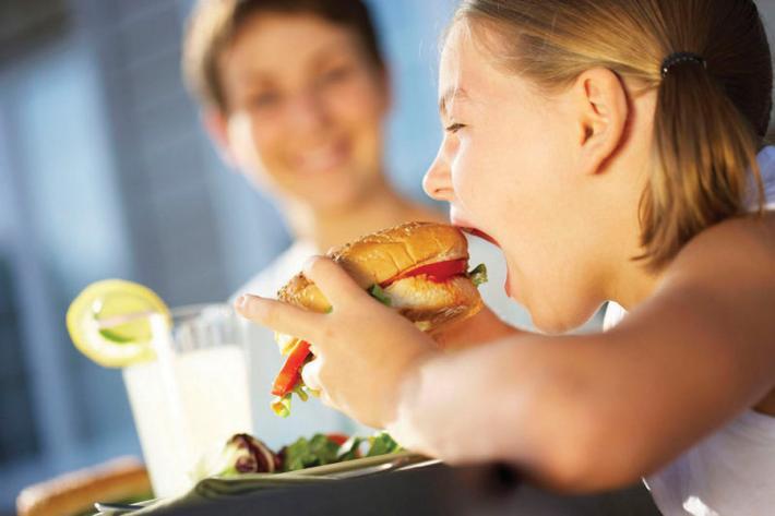 Obezite, aşırı zayıflık yeni neslin iki tuzağı