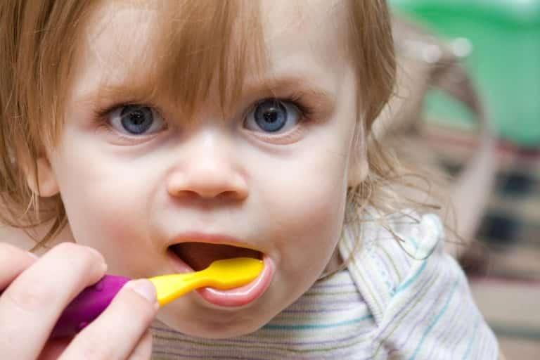 Çocukların diş sağlığı konusunda doğru bilinen 8 yanlış