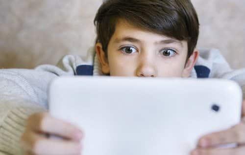 tablet çocuk