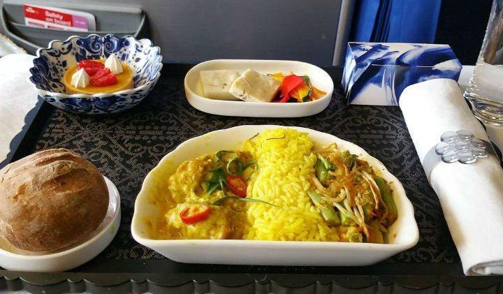 Uçak içi yemek ve ikramlar neden lezzetsiz? turkish airlines business