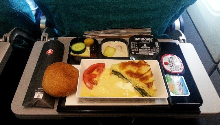Uçak içi yemek ve ikramlar neden lezzetsiz?
