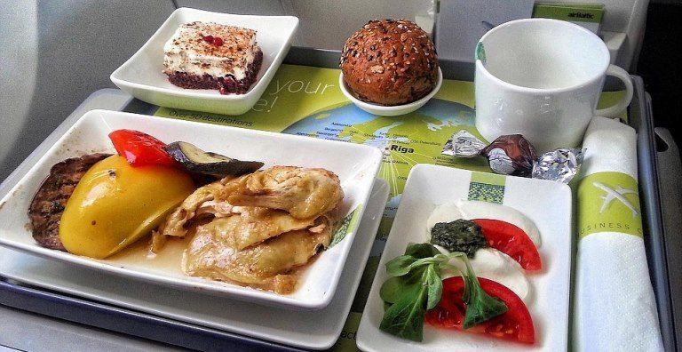 Uçak içi yemek ve ikramlar neden lezzetsiz? havayolu