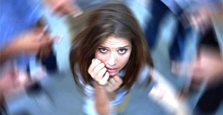 Panik atak geçiren kişi ne yapmalı?