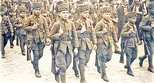 15 yaşında askere alınan erkek çocuklar çanakkale savaşı