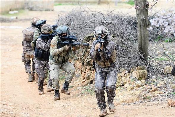 JÖH ve PÖH Afrin jandarma polis özel harekat zeytin dalı harekatı ilk görüntüler