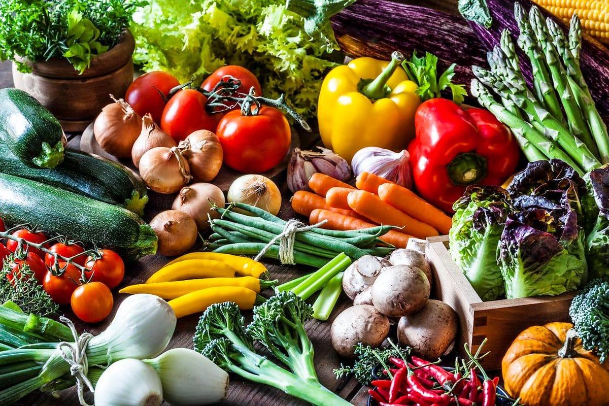Enerjinizi zirvede tutacak meyve, sebze ve mikrobesinlerle tanışın