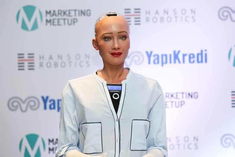 robot sophia türkiye istanbul marketing meetup yapı kredi reklamı