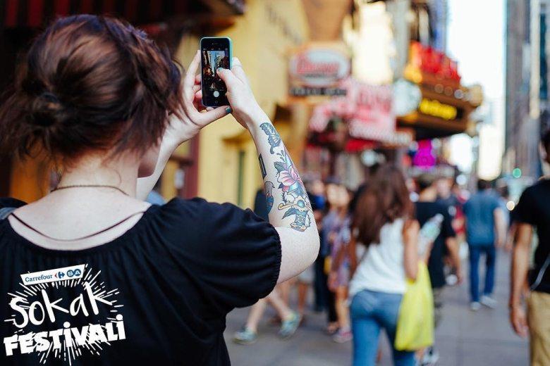 sokak festivali CarrefourSA