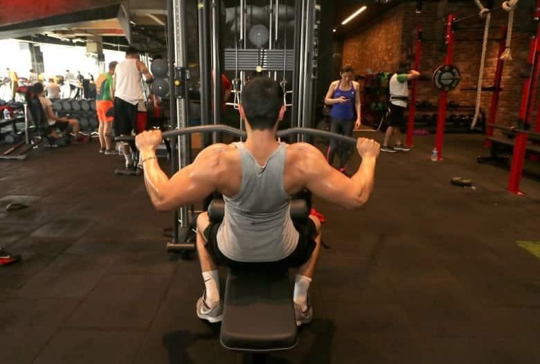 fitness vücut geliştirme ağırlık kaldırma crossfit total body
