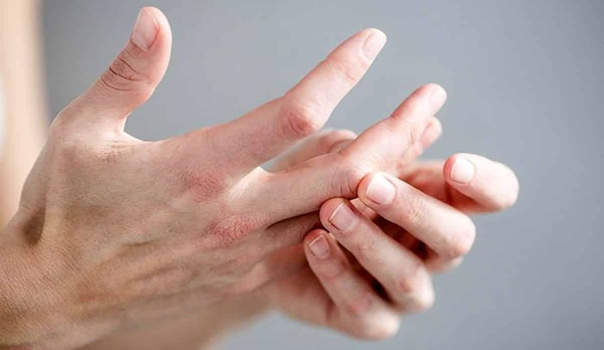 Ellerde kavrama güçlüğü ALS belirtisi olabilir!