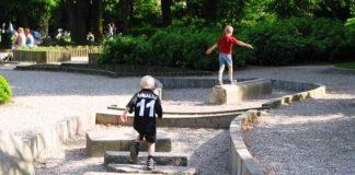 çocuklar futbol oyun parkları