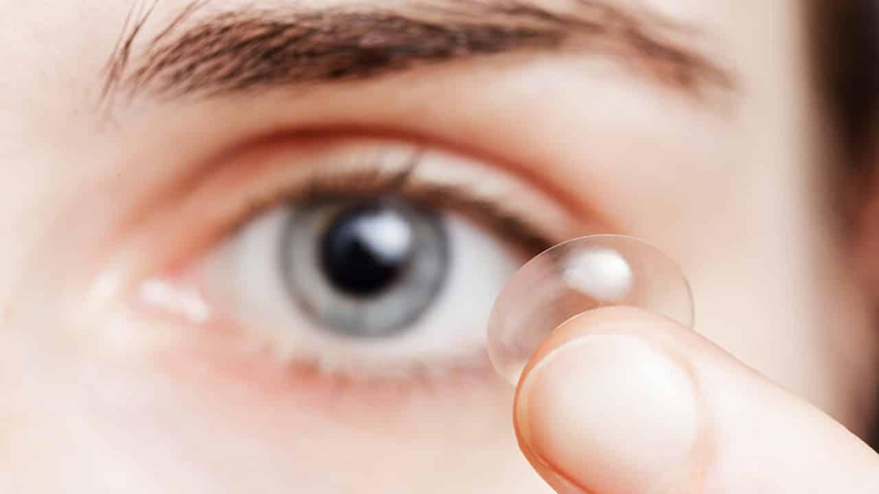 Kontakt lens göz alerjisi yapar mı? Alerjik Konjonktivit nedir?