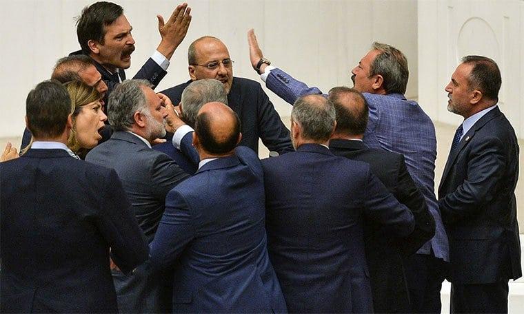 meclis kavga tartışma