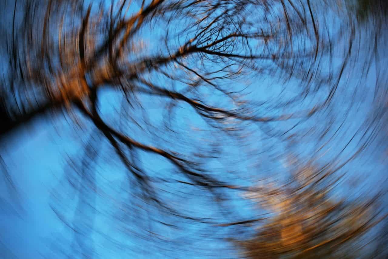 Vertigo en sık rastlanan nedenleri: Stres bile baş dönmesine sebep olabilir!