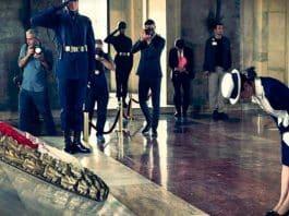 Japonya Prensesi Akiko Mikasa anıtkabir ziyareti Atatürk huzurunda saygı duruşu