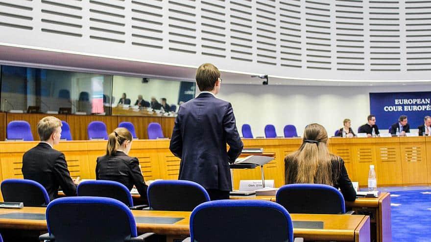 Avrupa İnsan Hakları Mahkemesi, Türkiye'nin de İç Hukukuna Etki Edebilen Bir Uluslararası Yargı Kuruluşudur.