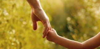 Çocuklara kural koyarken anne babanın en sık düştüğü hatalar