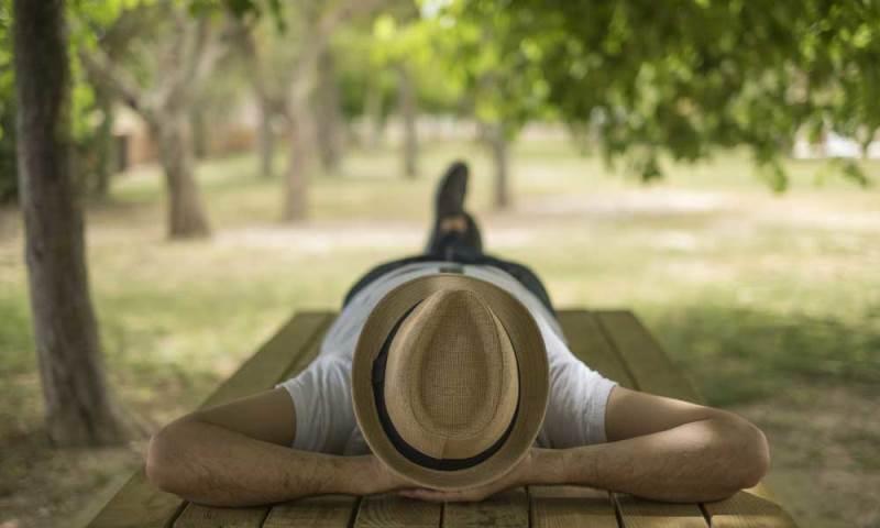 ispanya siesta barselona turist