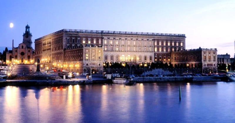 isveç stockholm kraliyet sarayı