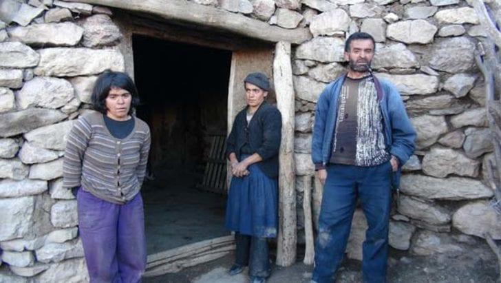 tunceli hoşan dağı mağara döneminde yaşayan aile teşar