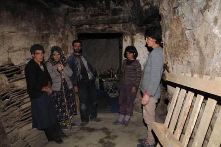 tunceli hoşan dağı mağara döneminde yaşayan aile