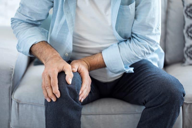 Bacakta ağrı damar tıkanıklığı belirtisi olabilir!