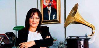 Ses sanatçısı Amber Türkmen AK Parti Çankaya Belediye Başkan adayı