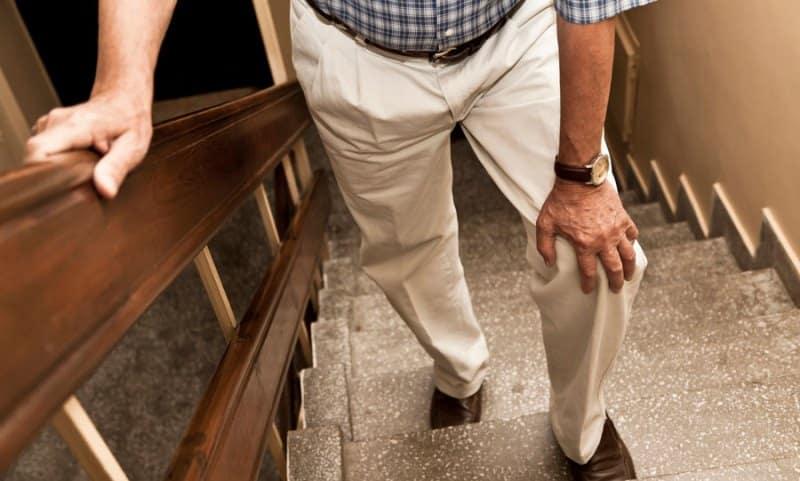 Bacak ağrısı şikayetlerinin ardıdaki gizli tehlike: Damar tıkanıklığı