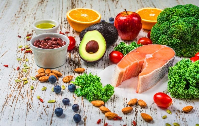mutlu eden besinler yiyecekler listesi