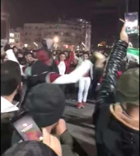 taksim meydanı suriyeli yılbaşı eğlencesi kutlaması