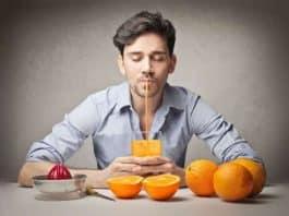 Yoğun çalışan beyinler için meyve suyu takviyesi