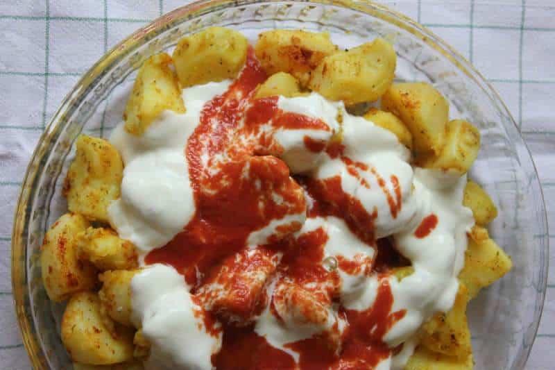 Yoğurtlu haşlanmış patates