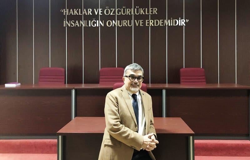Maltepe Üniversitesi Hukuk Fakültesi Medeni Hukuk Anabilim Dalı Başkanı Prof. Dr. Etem Saba Özmen
