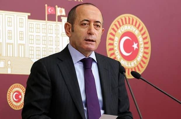 Akif Hamzaçebi görevinden istifa etti