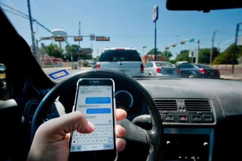 Trafik kazalarının yüzde 60'ı akıllı telefon kullanımından kaynaklanıyor