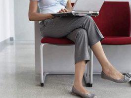 Diz ağrısı neden nolur? Bacak bacak üstüne atanlar dikkat!
