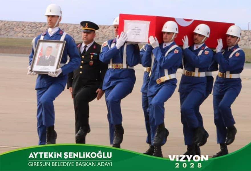 AK Parti adayı seçim kampanyası için şehit cenazesi fotoğrafı kullandı