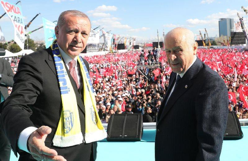 Cumhur İttifakı Ankara ortak mitinginde MHP lideri Devlet Bahçeli, Cumhurbaşkanı Erdoğan ile birlikte çıktı.
