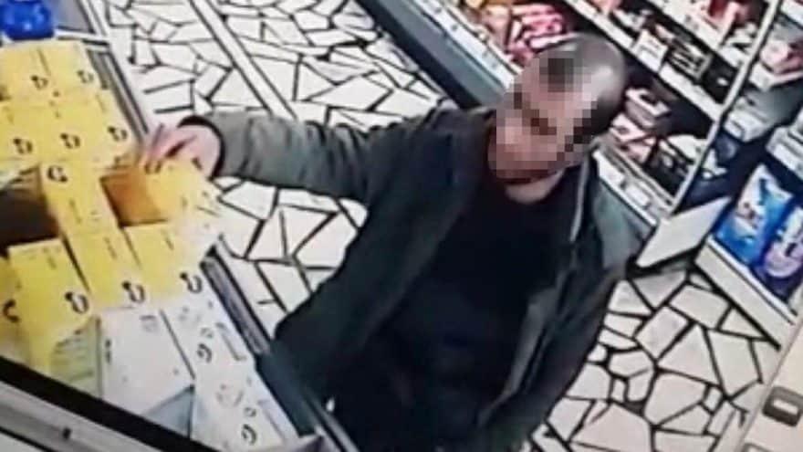 Marketten bebek maması çalarken yakalanan baba gözaltına alındı