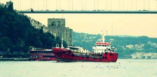 Türk bandıralı gemi Akdeniz'de kurtardığı göçmenler tarafından kaçırıldı