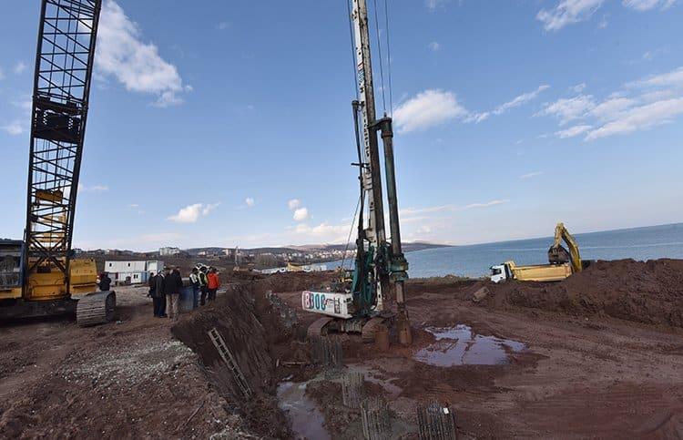 Ahlat'ın Van Gölü sahilinde Erdoğan'ın dev köşkü için inşaat başladı