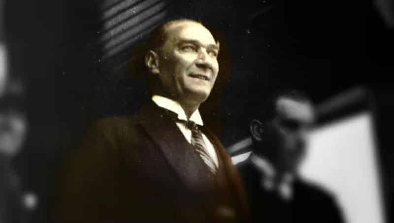 Atatürk: Kalpleri kırarak değil, kazanarak hükmetmek isterim