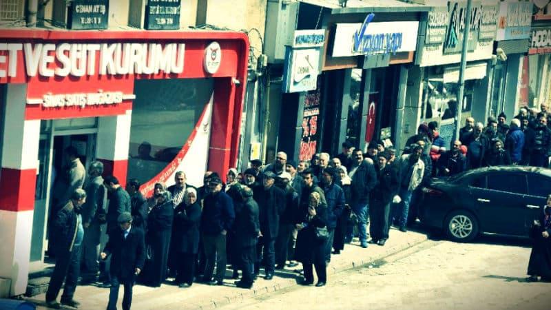 Hayvancılığın merkezi Erzurum ve Sivas ucuz et kuyruğu