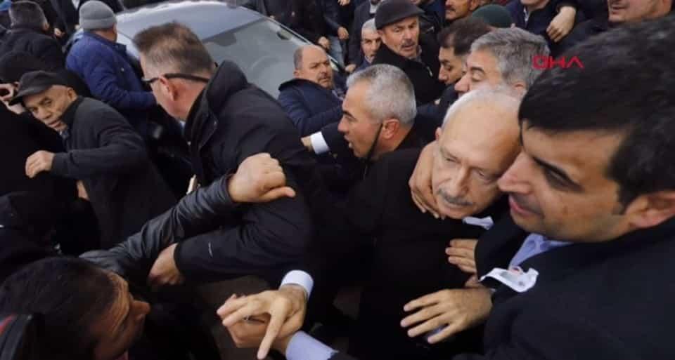 Kemal Kılıçdaroğlu'na saldırı: Olay yerinden ilk görüntüler