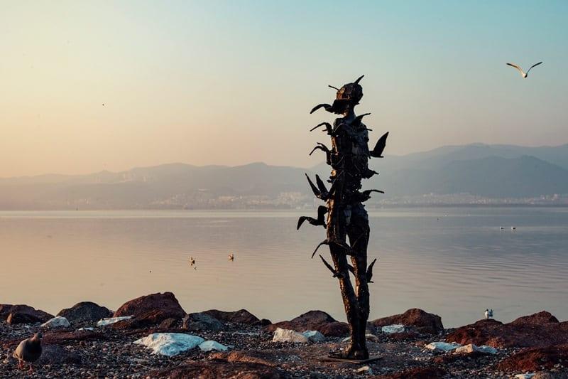 ozan ünal bir varlık bir yokluk heykel sergisi galeri selvin