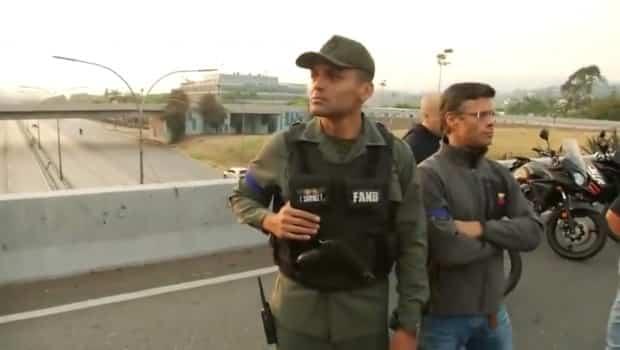 Venezuela darbe Asker sokakta; Maduro açıklama yaptı