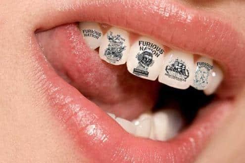 diş dövmesi