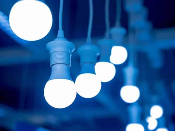 Mavi ışık nedir? Tehlikeleri neler?