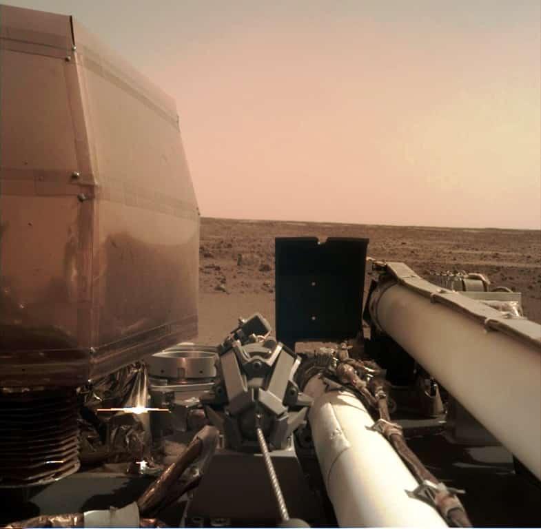 nasa mars insight uzay aracı marstan fotoğraf karesi